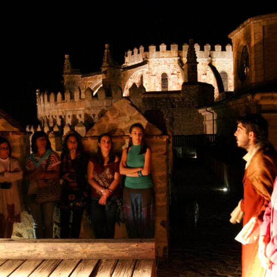 Visitas Nocturnas Teatralizadas a la Muralla Ávila Turismo